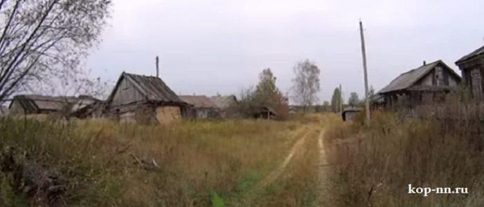 Заброшенные дома в деревне