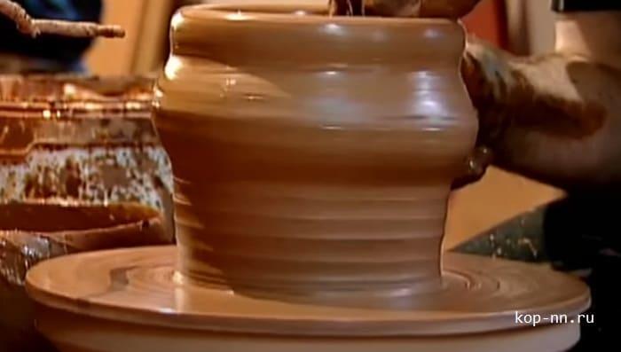 Изготовление глиняного горшка