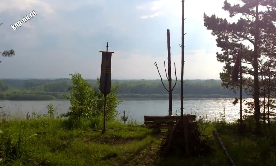 Древнее святилище на берегу реки Обь